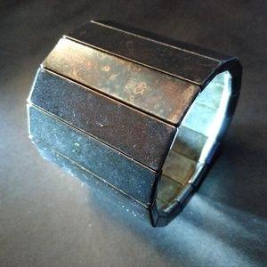 Jewelry - 15-Sided Elastic Metal Bracer